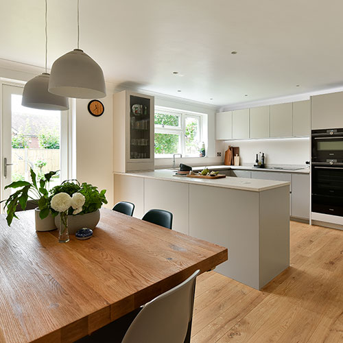 Modern German Kitchen in warm neutrals (Findon)